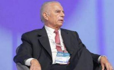 Bulgheroni lamentó la manipulación del precio del petróleo