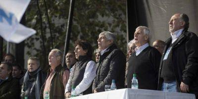 La unidad del peronismo abre un nuevo debate: ¿Es posible una única central obrera en la Argentina?