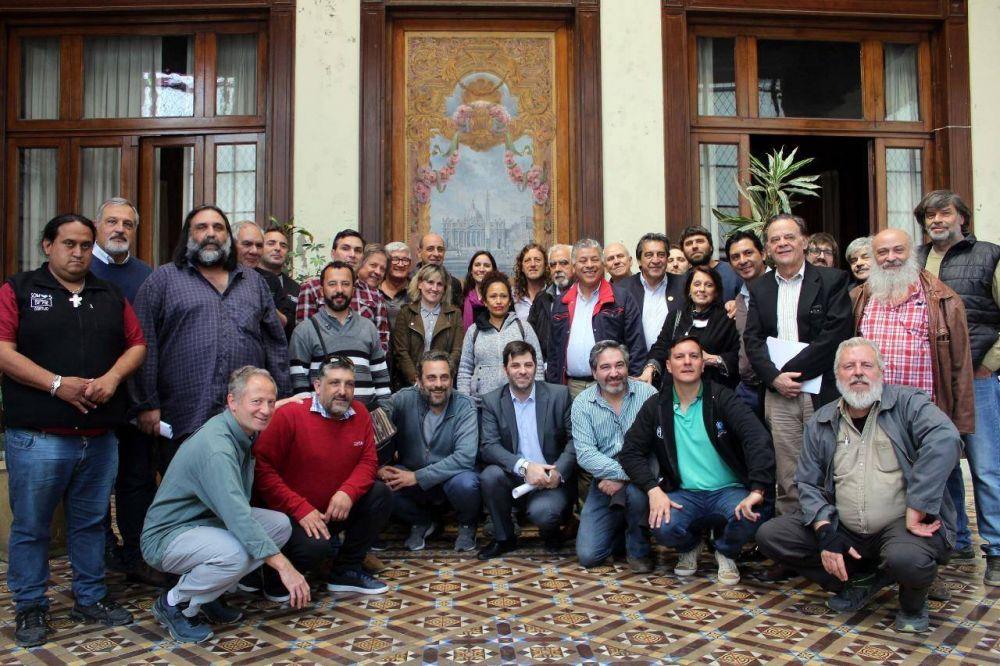 El Arzobispo de La Plata recibió a dirigentes sindicales, sociales y empresariales