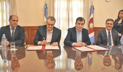 Firman convenio para la construcción de obras hídricas en el departamento Belgrano