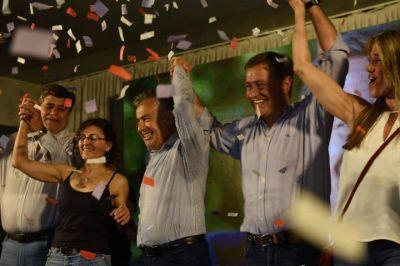 """Rodolfo Suárez: """"En Mendoza no nos gusta el populismo"""", dijo al ganar con una diferencia contundente"""