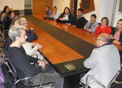El intendente Reino se reunió con integrantes de la tecnicatura de enfermería