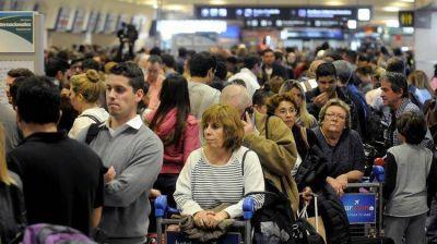 Otra vez los pilotos: cancelaron 105 vuelos y anunciaron 48 horas de paro el fin de semana