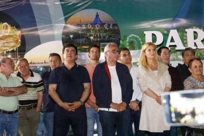 """Magario en Merlo: """"Frente a la ausencia de políticas de la Provincia, los intendentes estamos presentes"""""""
