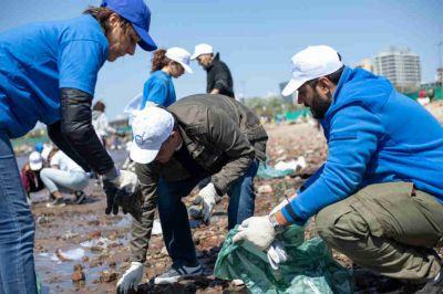 Se realizó en Vicente López una jornada de limpieza en la orilla del Río de la Plata