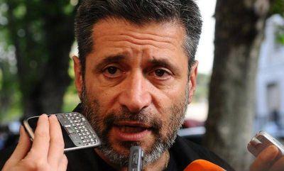 Víctor Santa María apoya la unidad de la CTA y CGT