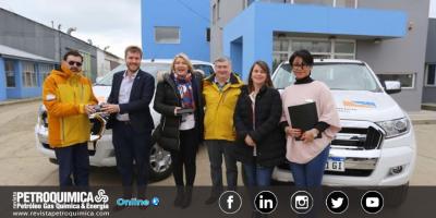 YPF entregó dos nuevos vehículos a la Secretaría de Energía e Hidrocarburos de Tierra del Fuego