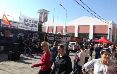 Los obreros de Kimberly Clark sostienen la toma de la planta y dicen que el Preventivo de Crisis es