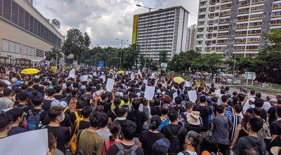 En medio de protestas en Hong Kong, China continental toma medidas contra católicos