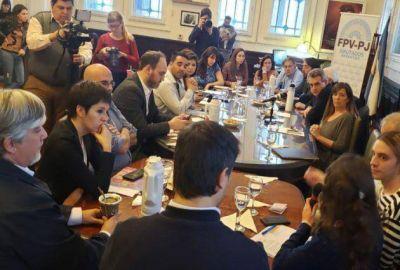 Spinuzza se reunió con diputados nacionales para frenar el ingreso de residuos al país