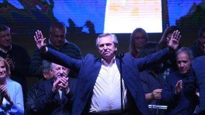 Alberto Fernández recibió un fuerte apoyo del sindicalismo y realizó duras críticas a los bancos