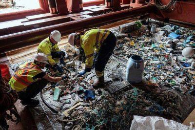 """Un novedoso sistema comenzó a limpiar la """"isla"""" de plástico del océano Pacífico"""