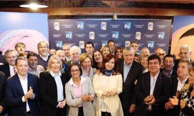 Fernández vuelve al PJ, ahora como candidato a presidente