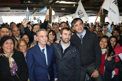 Pichetto acompañó a Ezequiel Pazos en un encuentro con más de 500 vecinos en José C Paz