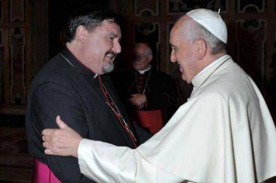 """Mons. Angel Macín, padre sinodal sus expectativas, su propuesta y el celibato : """"No podemos seguir exponiendo al planeta así"""""""