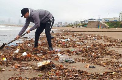 Mar del Plata limpia: llaman a juntar basura en playas de Punta Mogotes