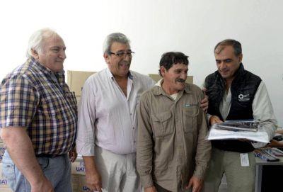 Los trabajadores rurales también cobrarán la compensación del Gobierno