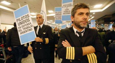 Los pilotos le contestaron a Macri y dicen que el conflicto no es político es