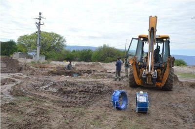 Prometen un acueducto para solucionar la falta de agua en la zona Oeste