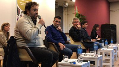 Debate de candidatos en el CCN: Apenas un chispazo entre Rojas y López por la Tasa Portuaria