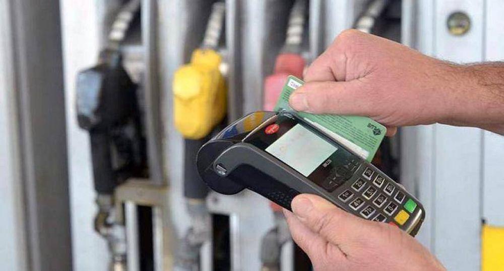 Estacioneros resignan 30 mil dólares al año en aranceles de Tarjetas de Crédito