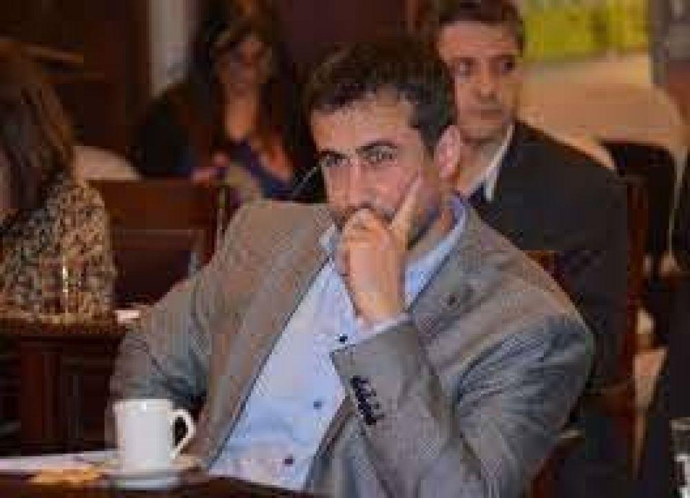 Ordenan la inhibición general de bienes a Francisco Medina y le prohíben salir del país