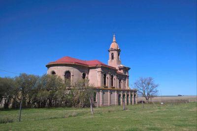 La iglesia que resiste el paso del tiempo, semiabandonada en un pueblo de 22 habitantes