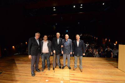 Fernando Gray participó de reconocimiento a Lorenzo Pepe