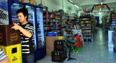 Denuncian a supermercados chinos por precarización laboral