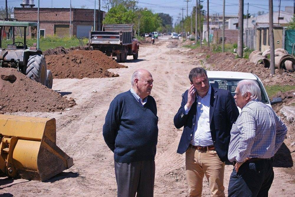 Realiza recorrida el intendente por obras en marcha