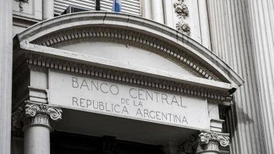 Las reservas del Banco Central retrocedieron casi USD 30.000 millones en seis meses