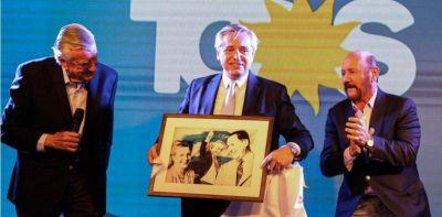 """Alberto Fernández """"enfría"""" su campaña y se diferencia de las plazas de Mauricio Macri"""