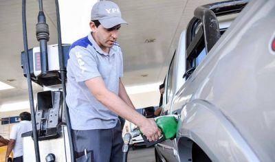 Alertan por retraso de $14 por litro de combustibles y efecto en fletes