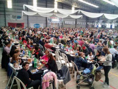 Masivo festejo por el 76° aniversario de Luz y Fuerza
