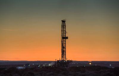 Neuquén y Mendoza buscan agilizar proyectos para atraer inversión petrolera