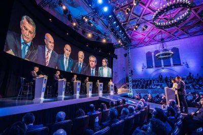 Mauricio Macri y Alberto Fernández polarizaron un debate cargado de acusaciones