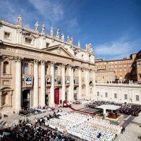 """El Papa invita a ser como los 5 nuevos santos: """"Luces amables"""" en la oscuridad del mundo"""