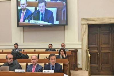 Sin hablar de política, Gustavo Béliz disertó en el Vaticano sobre