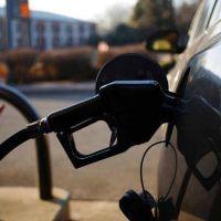 El Gobierno analiza el 'timming' para aplicar otro aumento de naftas