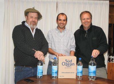 El agua de mar de Claromecó, ya es un producto para la venta