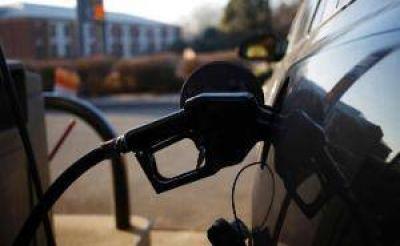 Analizan el momento para aplicar otro aumento de naftas