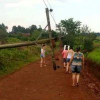 Caída de un poste dejó sin agua a San Vicente