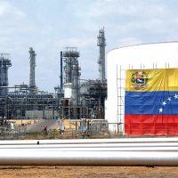 La producción petrolera de Venezuela se hunde otro 11%