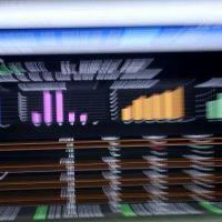 El S&P Merval cedió 1,8% por desplomes de energéticas; riesgo país volvió a superar los 2.000 puntos
