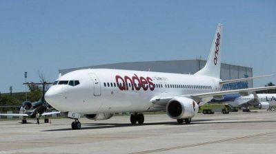 Por deuda salarial, aeronavegantes iniciaron paro total en Andes