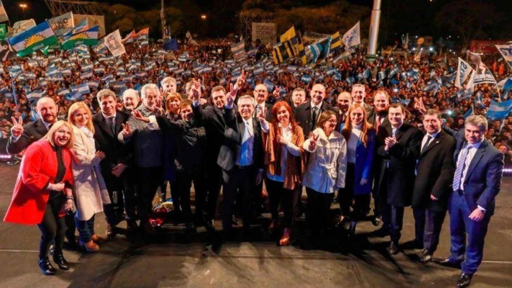 Una foto que no se daba: el 17 de octubre se celebra con el peronismo unido