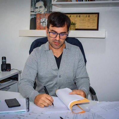 Por el día de la madre, el intendente de Castelli otorga nuevo bono de $7 Mil