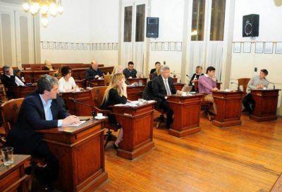 Pese a las críticas de la oposición, el oficialismo aprobó la ordenanza de las energías renovables