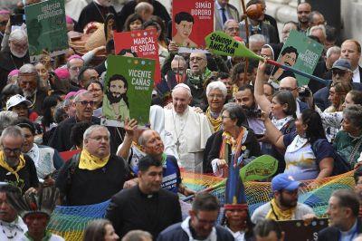 Papa Francisco es el único líder que escucha el dolor de los indígenas