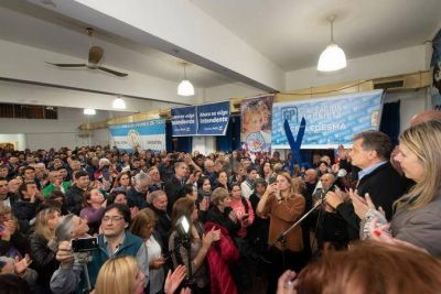 Pulti continúa sumando a peronistas : 25 gremios y agrupaciones le dan su apoyo